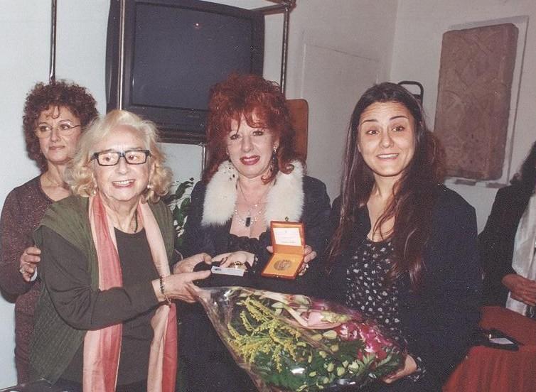 premio-donna-e-cultura-2007-a-serena-maffia