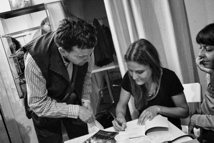 serena-maffia-autografa-blu-marco-saya-edizioni-enoteca-letteraria-di-roma-giugno-2016